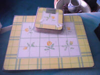 Set of 6 Traditional Cork Back PLACEMATS Table Mats & 6 COASTERS - FLORAL - NEW