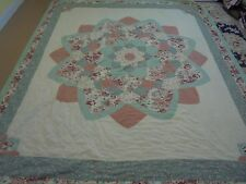 Nice Multi-Color Whole Cloth Dahlia w/Frame Quilt