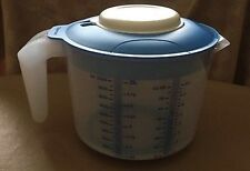 TUPPERWARE New 2 Qt MIX-N-STOR PITCHER 4 Wet/Dry Ingredients No Splatter Mixing
