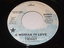 Twiggy: A Woman In Love / I Lie Awake And Dream Of You 45