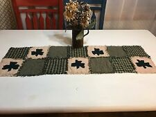Shamrock Homespun PriMiTivE Rag Quilt Table Runner Green Tan St Patrick's Day