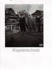 Deutsche Panzer Soldaten vor Erdbunker Gshatsk Ostfront Russland