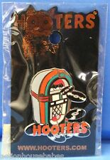 HOOTERS RESTAURANT MUSIC VINYL RECORD VINTAGE JUKEBOX LAPEL PIN