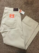 NWT DOCKERS Pacific 5 Pocket Flat Front Straight Fit Creme 33X32 MSRP $58