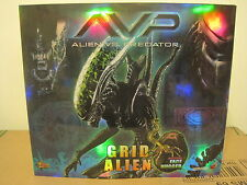 Hot Toys Alien VS Predator Grid Alien Collector's Edition MMS 28