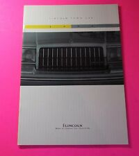 1994 LINCOLN TOWN CAR SHOWROOM SALES BROCHURE..26 PAGES