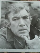 Anthony Quinn signed 3x5 card with photo..