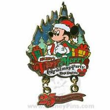 SANTA MICKEY PASSHOLDER VERY MERRY CHRISTMAS PARTY 2008 EVENT Disney PIN