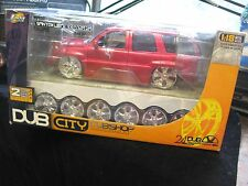 Jada Dub City Dubshop 2002 Cadillac Escalade SUV Die-Cast Car 1:18 2 Wheel Sets