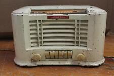 VINTAGE 1947 TRUETONE TUBE RADIO WESTERN AUTO SUPPLY  CO. D2616
