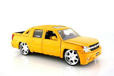 2001 Chevrolet Avalanche Pick up Truck Yellow Jada 1:24 Scale Diecast Model
