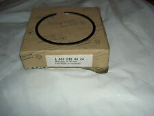 MERCEDES 103940 103942 ENGINES PISTON RING NEW BOXED GENUINE A 0020304624