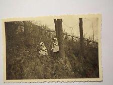 Gegend Amberg - 2 Mädchen am 18. März 1934 / Foto