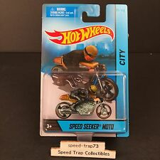 Hot Wheels Speed Seeker Moto 2013/14 City Motorcycles Gold Cafe Racer with Rider