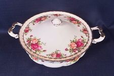 ROYAL ALBERT OLD COUNTRY ROSES COVERED VEGETABLE SOUP DISH, EXCELLENT