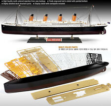 1/400 ACADEMY R.M.S.TITANIC 14215 Multi Colored Parts  MODEL KIT