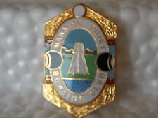 Vintage Antique Collectable Retro Lawn Bowl Badge MANNING POINT BOWLING CLUB