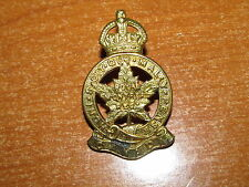 WW2 Canadian Cap Badge Royal Montreal Regiment nice