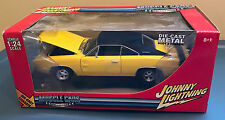 Johnny Lightning 1969 DODGE CHARGER R/T 1:24 scale diecast Yellow Muscle Cars