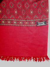 TOOTAL VINTAGE SCARF DARK RED WITH GEOMETRIC PATTERN/ PLAIN RED FRINGED TOOA215