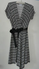 DKNY Rayon Knit Dress Misses L Black White Classic Style Cap Sleeve Traveler
