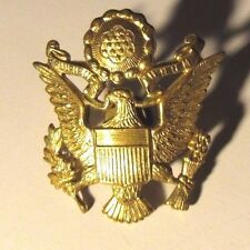 WWII Era US Army Military E Pluribus Unum Eagle Crest Emblem Cap Hat Pin Amcraft