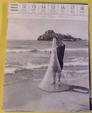 1956 ESPAGNE PENISCOLA AUX BORDS DE LA MÉDITERRANÉE,ON THE SHORE OF THE MEDITERR
