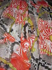 Très beau tissu Mousseline imprimé très couture  en 150 cm de large au mètre