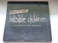 INVISIBLE CHILDREN - DISCOVER THE UNSEEN - PASS IT ON! - CARD SLEEVE - DVD