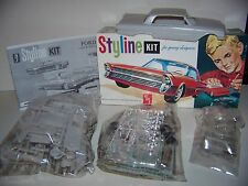 Vintage 1/25 AMT 1961 Ford Galaxie Styline model car kit.