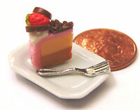 1:12 Scale Slice Of Cake On A Plate Dolls House Miniature Kitchen Accessory SC8
