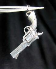 STERLING SILVER PENDANT WITH A OLD WEST HAND GUN REVOLVER PISTOL