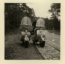 PHOTO ANCIENNE - VINTAGE SNAPSHOT - SCOOTER VESPA VOYAGE - TRIP