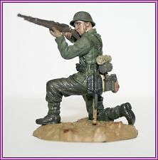 21st Century WWII Plastic Toy Soldier German Infantry Kneeling Firing Rifle Man