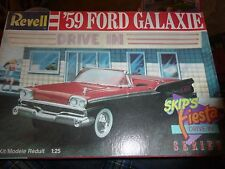 REVELL 1959 FORD RETRACTABLE GALAXIE VINTAGE 1/25 Model Car Mountain KIT OPen
