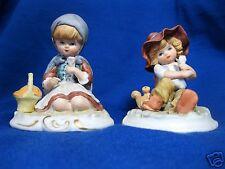 2 schöne Porzellan-Figuren 10cm aus Bisquitporzellan Mädchen Kind Eichhörnchen