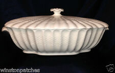 COPELAND SPODE CHELSEA WICKER OVAL COVERED VEGETABLE BOWL ALL WHITE BASKETWEAVE