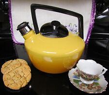 Vtg Retro 70s Deco Harvest Gold Whistling Enamel /Steel Stove Top Tea Kettle Pot