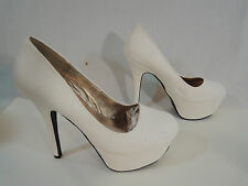 Qupid WHITE Stiletto Heel Leather Pump Round Toe Gold Toe Plate Womens Size 8.5M
