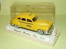 CHRYSLER WINDSOR TAXI SOLIDO 4514