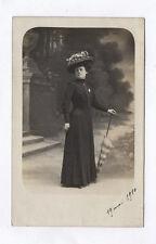CARTE PHOTO Décor Toile peinte Postcard RPPC 1910 Femme Mode Robe Parapluie