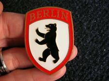 BERLIN VW HOOD CREST BADGE ACCESSORY BUG BEETLE COX SPLIT OVAL BREZEL HEB KÄFER