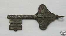 † SCARE PAT PEND WWI ERA VINTAGE MEDAL KEY OF HEAVEN MEDAL CHARM PENDANT 1 7/8 †