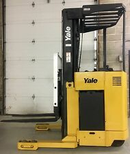 FORKLIFT YALE NR040 ELECTRIC NARROW AISLE REACH NR040ACNL36TE095