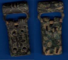 Bonita hebilla completa del alto-Medieval de Bronce con una Flor de Lis tallada