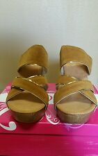 New 70's inspired platform shoes, women size 7, color camel with gold, wood heel