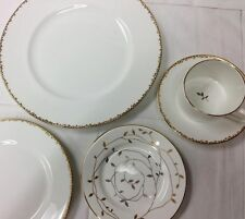 "WEDGWOOD VERA WANG ""GILDED LEAF"" 5 PIECE PLACE SET WHITE BONE CHINA NEW IN BOX"