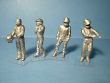 4  FIGURINES   SET 89  WARM  UP  F1   VROOM  1/43   A  PEINDRE  UNPAINTED