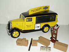 CAMION UNIQUE REPLICAS 1/24 CHEVROLET TRUCK 1935 DAILY NEWS DELIVERY