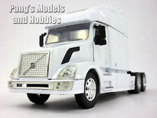 Volvo VN-780 Diecast Metal and Plastic 1/32 Scale Truck Model by NewRay - WHITE